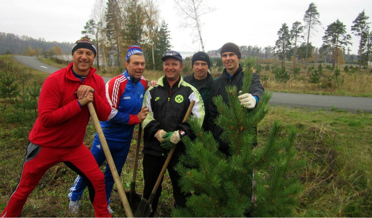 Ski 76 Team высаживает деревья в Демино
