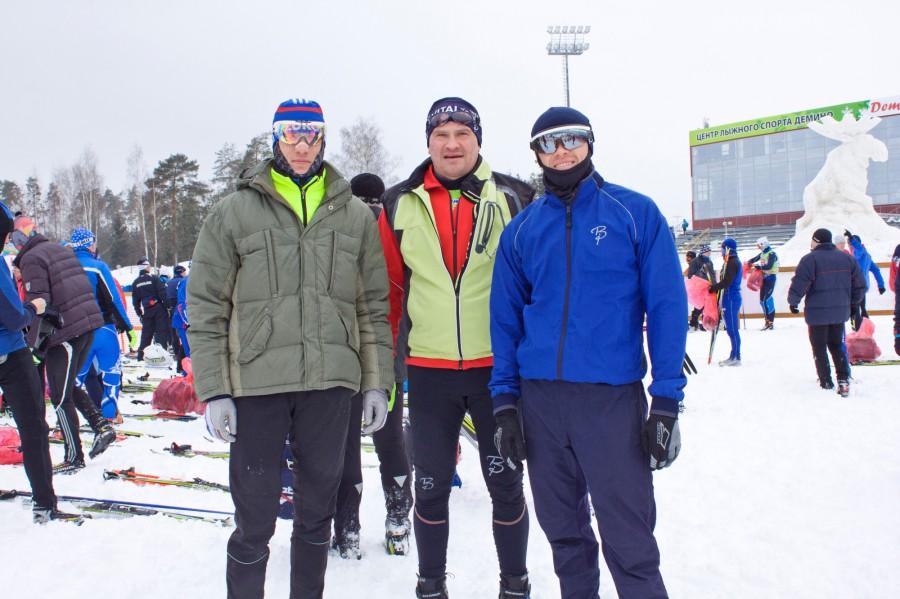Большие любители лыжных гонок из Костромского региона (слева на право): Верховцев Алексей, Антипов Михаил и Смекалов Алесандр