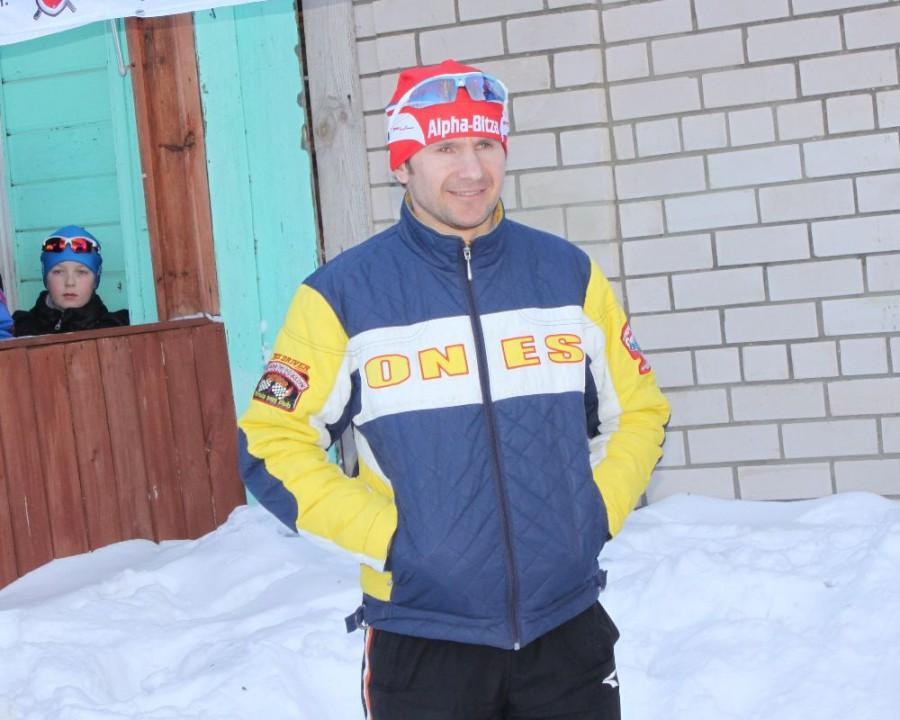 Поздравляю коллегу! Валера умудряется успевать и фотографировать и гоняться на лыжах. Ждем и твоих фотографий.