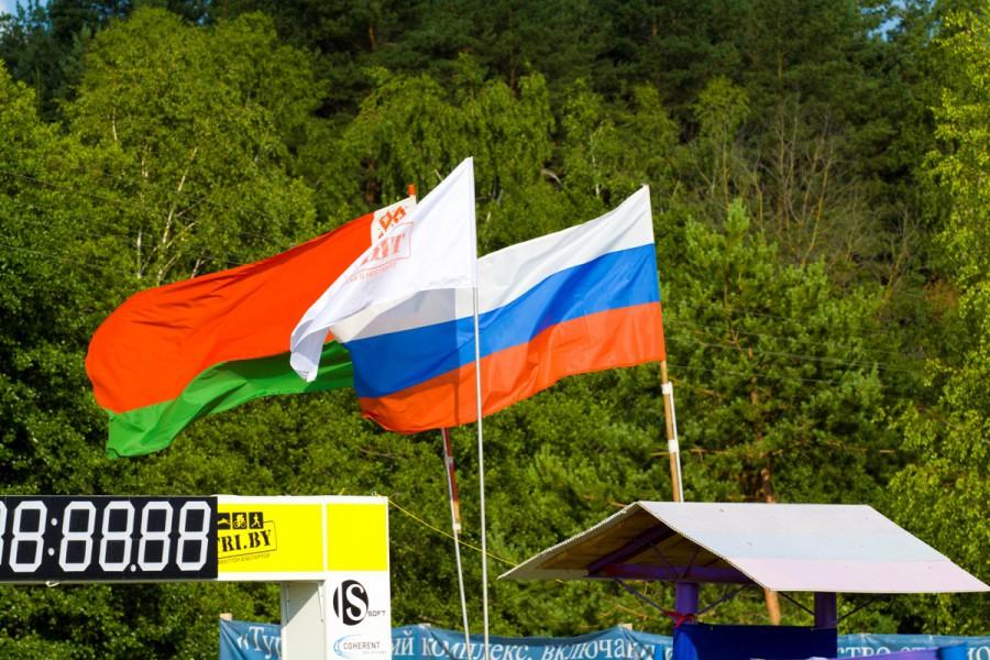 Флаги Белоруссии, России и федерации триатлона Беларуси -TRI.BY