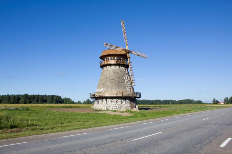чудненькая мельница на чудненькой  дороге на Таллин
