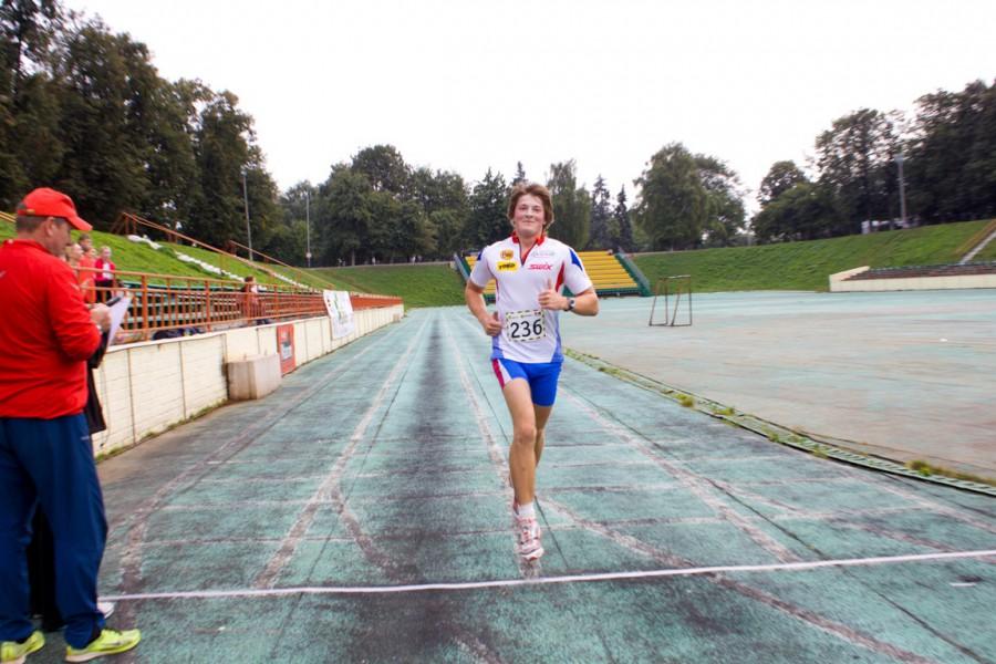 Фото - Дмитрий Филонов на финише ЯзаБег 2013