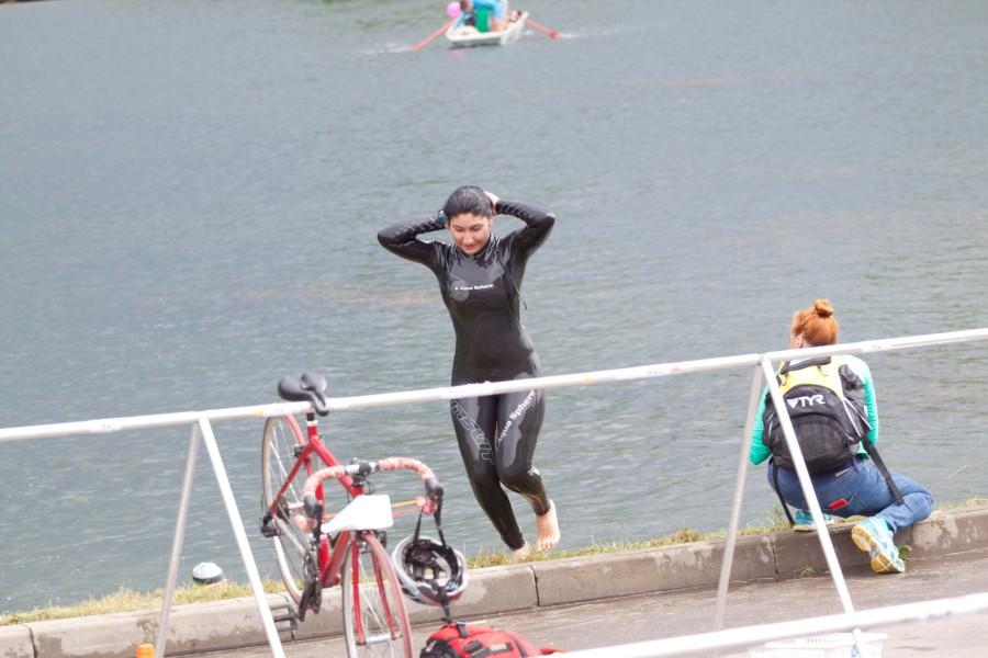 Прекрасных дам было не много!  Были и профессиональные спортсменки проплывшие за 10,38 мин., и те которые закончили всю дистанцию за 2,5 часа. Но это нисколько не умаляет их достижения! Все девчонки супермолодцы!