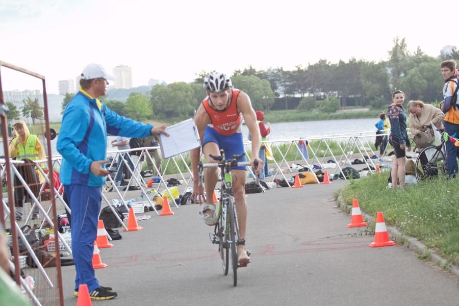 Тем временем заканчивался велоэтап и спортсмены потянулись к ТЗ 2.