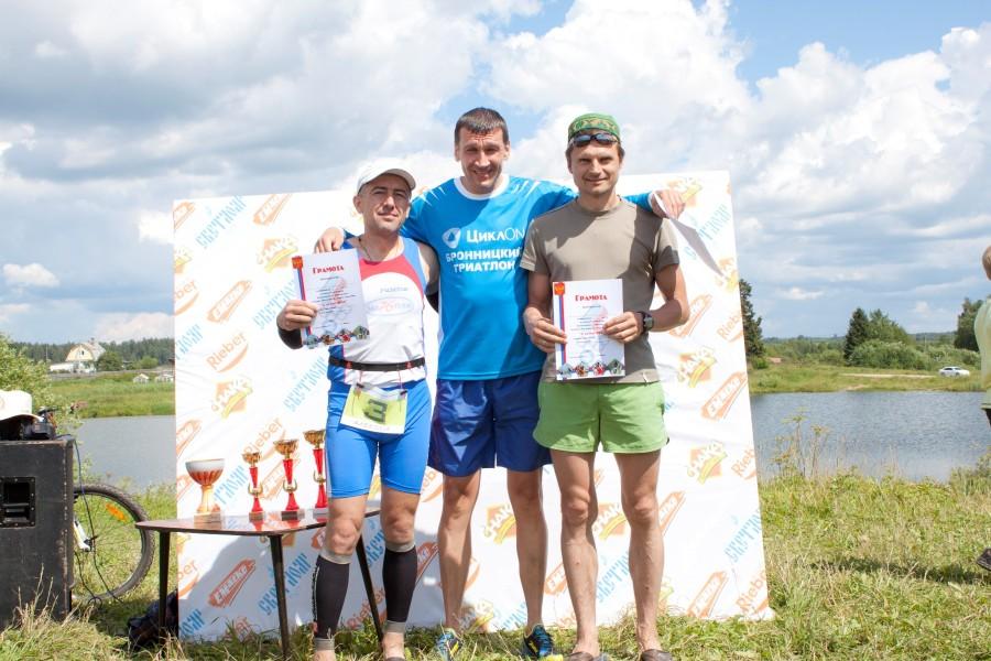Победители в возрастной группе 40-50 лет! Алексей Конаков накануне еще и на Прусовских отметился! Поздравляем, молодец!