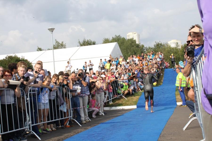 Поддержка зрителей и болельщиков подогреваемая ди-джеем была колоссальная!
