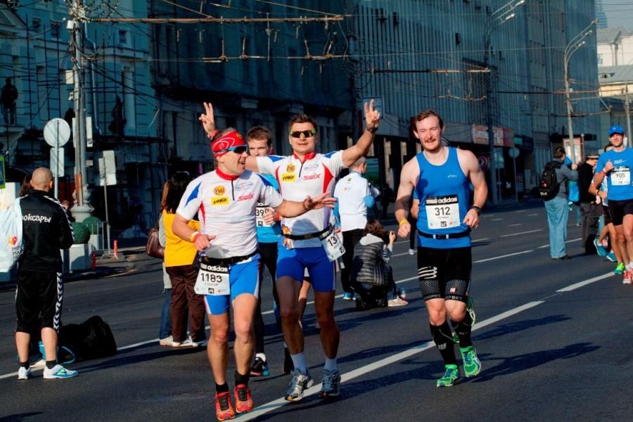 А вот и наши замечательные атлеты Леша Соболев и Славик Суслов. Как приятно видеть их улыбающимися и счастливыми! А ведь еще год, два назад - выражения лиц было совсем другое! :)