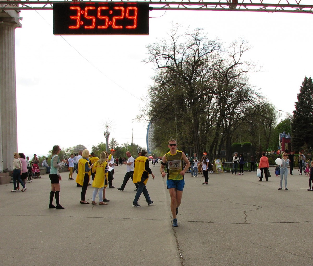 Финиш - Волгоградский международный марафон Победа 2015