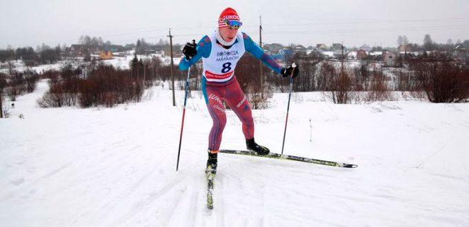 Фото лыжника - Алексей Смирнов выиграл Харовский марафон 2017