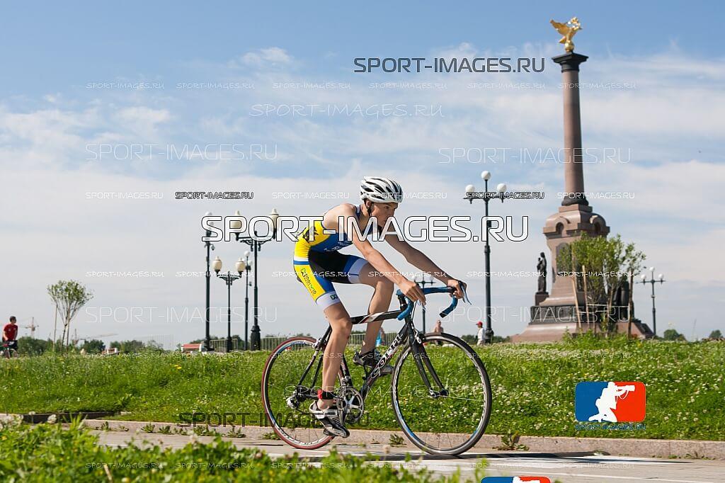 Фото триатлониста - Сборная Ярославской области по триатлону в новой форме