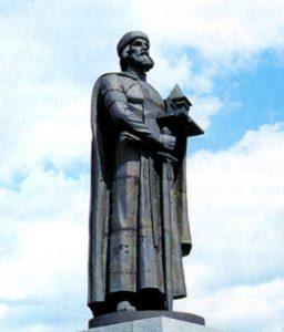 Фото достопримечательности - Экскурсии по Ярославлю. Памятник Ярославу Мудрому