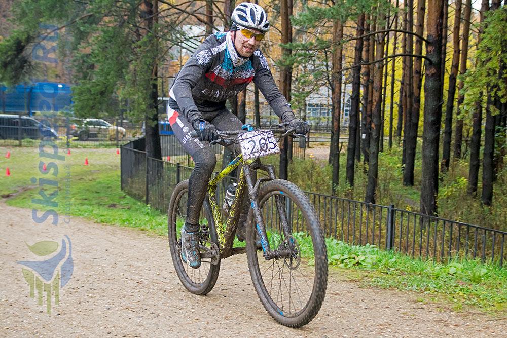 Фото - Тимофеев Дмитрий (SKI 76 TEAM). Велогонка в Яковлевском бору г. Ярославля